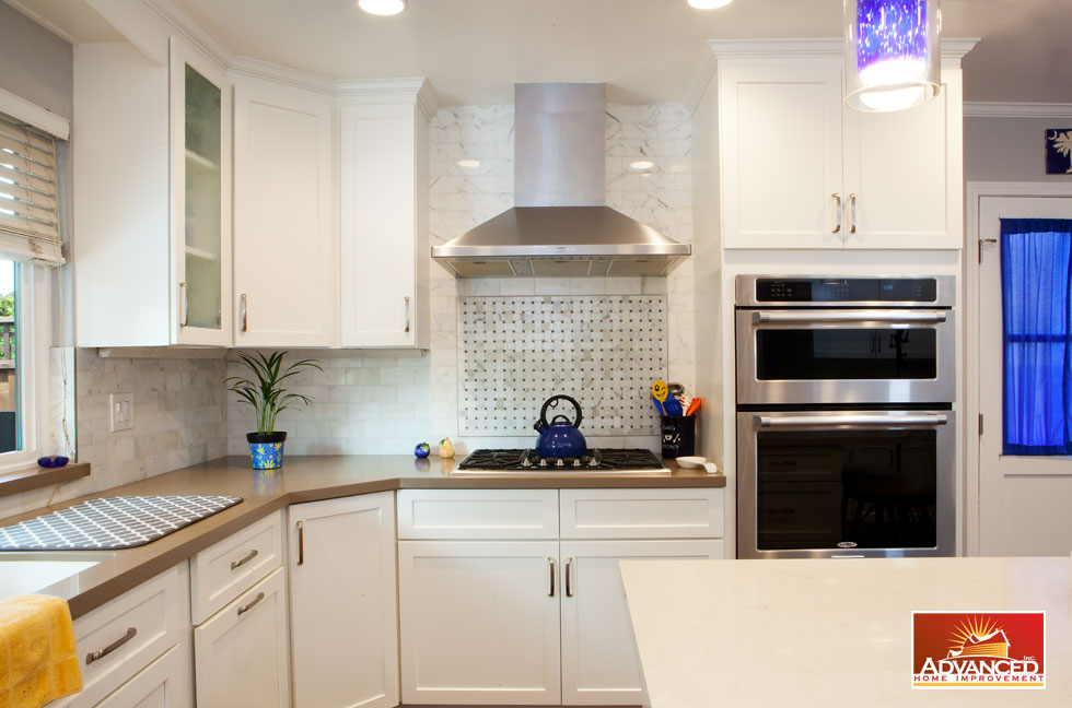 Wonderful Modern Kitchen Design With A Nice Color.